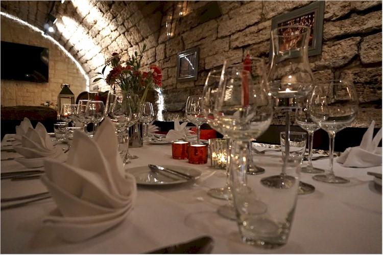 Weihnachtsfeier Kleine Gruppe.Exklusive Weihnachtsfeiern Im Gewölbekeller Der Kleinen Weinakademie