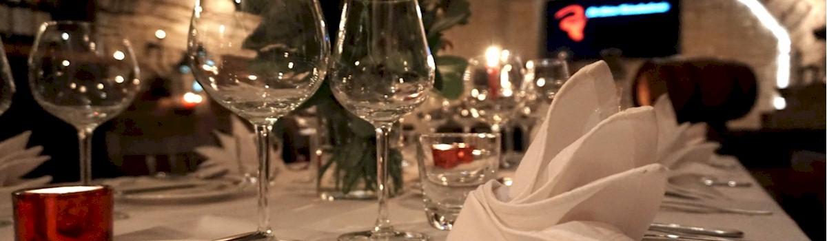 Exklusive Weihnachtsfeiern Im Gewolbekeller Der Kleinen Weinakademie